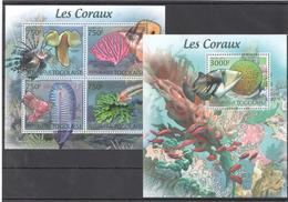 B44 2012 TOGOLAISE FAUNA FISH & MARINE LIFE CORAL REEFS LES CORAUX KB+BL MNH