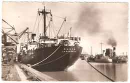 Rochefort-sur-Mer - Cargos à Quai Dans Le Port - Carte Photo - 1955 - Bateau - Rochefort