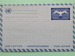 United Nations (New York)  Aerogramme Bird 11c - New York – UN Headquarters