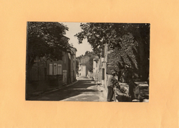 Carte Postale - D13 - PUYLOUBIER - Place De La République
