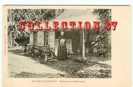 CANAQUE De NOUVELLE CALEDONIE Et RESIDENCE D'un MISSIONNAIRE - CARTE 1900 LEGENDE ROUGE - Océanie