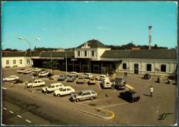 03 - Allier - MOULINS La Gare SNCF Automobiles