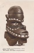 PARIS - N° 19.307. - MUSEE D'ETHNOGRAPHIE PARIS - OCEANIE. ILES SALOMON - TETE HUMAINE BOIS SCULPTE INCRUSTE DE NACRE - Museums