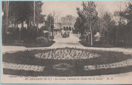 HENDAYE - Le Casino, L'Avenue Du Casino Vus Du Square - - Hendaye