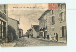 MEYZIEU (ou MEYZIEUX ) - Rue De La République Avec Beau Plan Animé - Ed. Martel  - 2 Scans - Meyzieu