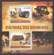 A117 2011 S.TOME E PRINCIPE FIRE TRUCKS AS VIATURAS DOS BOMBEIROS 1KB MNH