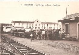 Cpa 11 Bizanet Le Groupe Scolaire La Gare Belle Animation Train - Other Municipalities