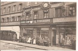 Cpa 14 Caen Rue De Strasbourg Maison J. Laumaille Grosse Animation à Voir Carte Rarissime Magasin Cafe Journal - Caen