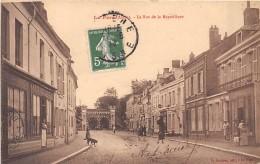 02 - AISNE - LA FERE - La Rue De La République