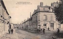 02 - AISNE - LA FERTE MILON - Poste Et Rue De La Chaussée