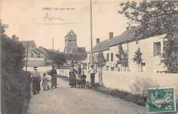 02 - AISNE - TORCY - Un Coin De Rue - Animée