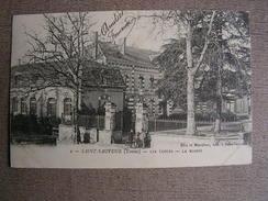 Carte Postale Ancienne 89 Yonne Saint Sauveur En Puisaye Les Ecoles La Mairie - Saint Sauveur En Puisaye