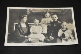 465- Die Herzogliche Familie Von Sachsen Coburg Gotha / Animiert - Familles Royales