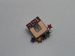 FISU Lot De 5 Different Pin / Broche ( Sport / Championship / Olympic ) ( Bertoni - Milano / Zie Foto's Voor Detail ) ! - Badges
