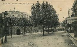30  ALAIS  HAUTE PLACE ST JEAN ET CATHEDRALE - Alès
