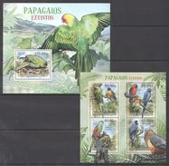 B164 2012 MOCAMBIQUEFAUNA BIRDS PARROTS PAPAGAIOS EXTINTOS KB+BL MNH