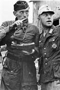 Militaria WW2  - Bourgthéroulde 25.8.44 - Officiers Du IIème SS-Panzerkorps - 1939-45