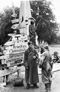 Militaria WW2  - Bourgthéroulde 26.8.44 - Waffen SS En Attente D'évacuation - 1939-45