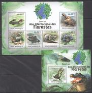 B195 2011 MOCAMBIQUE FAUNA DAS FLORESTAS REPTILES CROCODILES JACARE-ACU KB+BL MNH