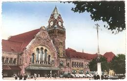Metz - La Gare - Animée - Anciennes Voitures - Colorisée - 1953 - Metz