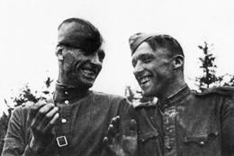 Militaria WW2  - Régiment Normandie-Niemen - Les Mécaniciens Russes Du Groupe - 1939-45