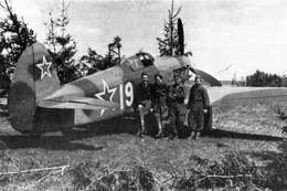 Militaria WW2  - Régiment Normandie-Niemen - Saint-Marceaux Et Son Yak 9 - 1939-45