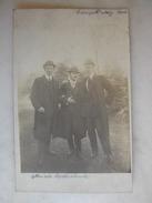 CARTE PHOTO - Trois Hommes élégants - Hommes