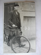 CARTE PHOTO - Homme Et Son Vélo - Hommes