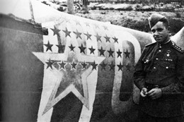 Militaria WW2  - Régiment Normandie-Niemen - As Russe Aux Nombreuses Victoires - 1939-45