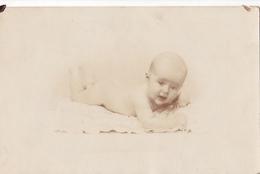 26033 Carte Photo -enfant  Bébé Baby Tout Nu ! Coussin - Belgique - Bébés