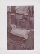 26047 Cinq 5  Photo -famille  Enfant Jardin -année 1910 Environ  Belgique - Landau - Personnes Anonymes