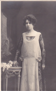 26065  Deux 2 Carte Photo -femme Couple -robe Fleur Vers 1910 ?  -  Belgique Studio Monu Bruxelles
