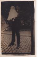 26072 Carte Photo -papa Homme  Enfant Bebe-  Belgique - - Hommes