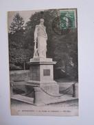 50 Manche Avranches La Statue De Valhubert