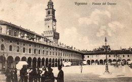 72Bv   Italie Vigevano Piazza Del Duomo - Vigevano