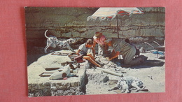 Africa > Tanzania Anthropologist Louis Leakey & Family Dig The Earth Of Zinjanthropus Site       Ref --2497 - Tanzania