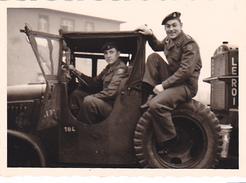 26090  Photo -regiment Belge 5 Ieme Genie Westhoven -  Belgique - Allemagne Cologne Koln- Jeep - Guerre, Militaire