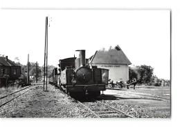 Photo Laurent Format CPA Saint Valery Sur Somme La Gare Et Le Train Tramway Ligne De Noyelles Cayeux - Saint Valery Sur Somme