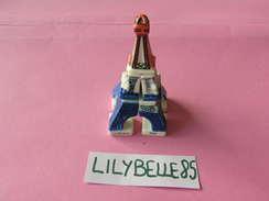 Serie Complète De 7 Feves En Porcelaine - LA TOUR EIFFEL - THE EIFFEL TOWER 2000 ( Feve - Figurine - Miniature ) - Pays