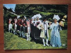Folklore De France. La Vendee. Cercle Vendeen De La Roche Sur Yon. Costumes 1835. Les Maries Portant Les Couleurs Celtes - Unclassified