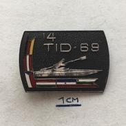 Badge (Pin) ZN004739 - Rowing / Kayak / Canoe Tour International Danubien (TID) 1969 - Canoeing, Kayak