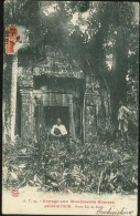 CPA VOYAGE AUX MONUMENTS KHMERS N°A.T.99 ANGKOR THOM PORTE EST DU KEDEI ANIMEE 1912 - Viêt-Nam