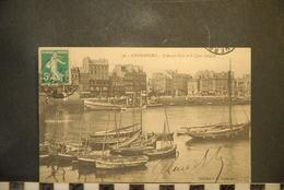 CP, 50, N° 36- CHERBOURG - L´AVANT-PORT ET LE QUAI COLIGNY, Bateaux - Cherbourg