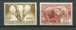 194 GUINEE 1959 - Yvert 13 Et 15 - Elephant (Seuls De La Serie) - Neuf ** (MNH) Sans Trace De Charniere