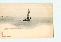 OSTENDE : Bateau De Pêche Rentrant Au Port. Dos Simple. TBE. 2 Scans. Edition Sugg à Gaud - Oostende