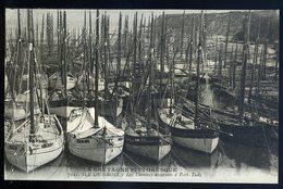 Cpa Du 56  Ile De Groix - Les Thoniers Désarmés à Port Tudy    NCL54 - Groix
