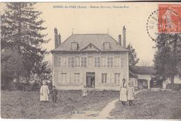 10 Mesnil Saint Père - Maison BOUTIOT, Grande Rue.Animée, Datée 1910.édit Menfroy. TB état. - Autres Communes