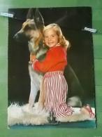 KOV 1004 - CHIEN, Dog, Hund, Enfant, Child, Baby, Kid, Infant, Young, Dete, Anak, çocuk, - Zonder Classificatie