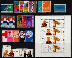 ~~~ Netherlands 1972 - Complete Year Set / Compleet Jaar - NVPH 1002/1024  ** MNH ~~~ - Full Years