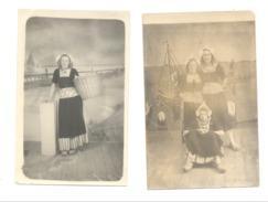 Photo Carte Studio ( 2 Pièces )  - Jeunes Femmes En Costumes Traditionnels - Pays-Bas / Nederland (Y123)Mi9 - Kostums